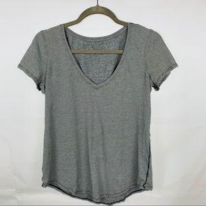 Lululemon black pinstriped v neck short sleeve